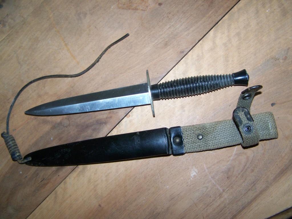 Estimation poignard Commando et Béret rouge 00536