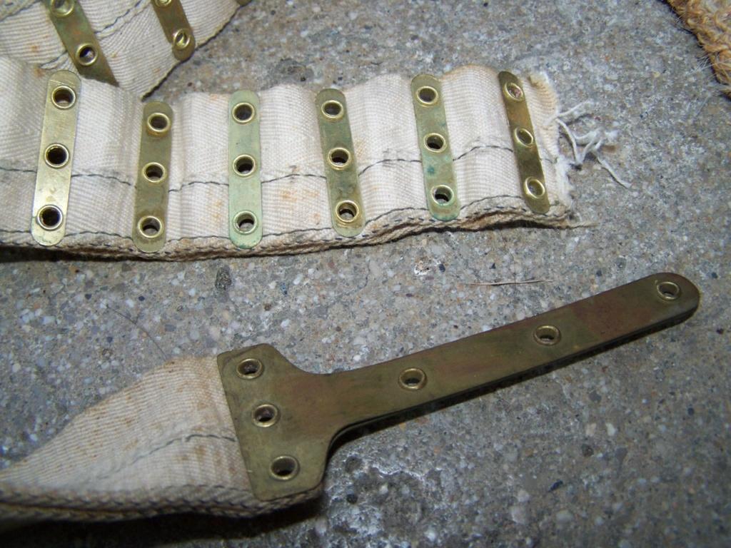Bande tissu pour mitrailleuse et gant à identifier 01017
