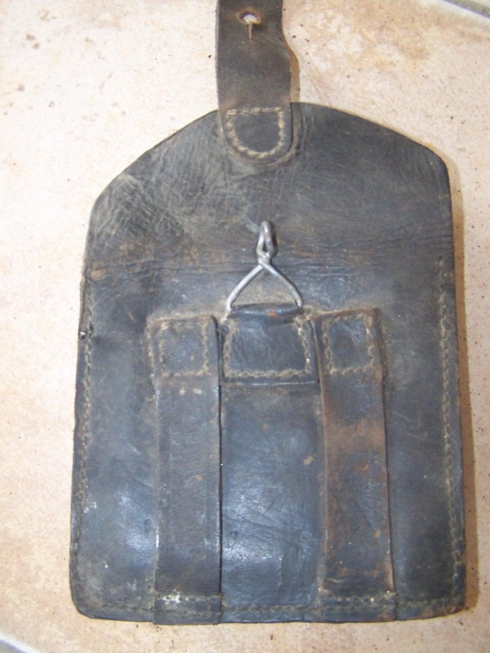 cartouchière 1888 ou gendarmerie ?? 01511