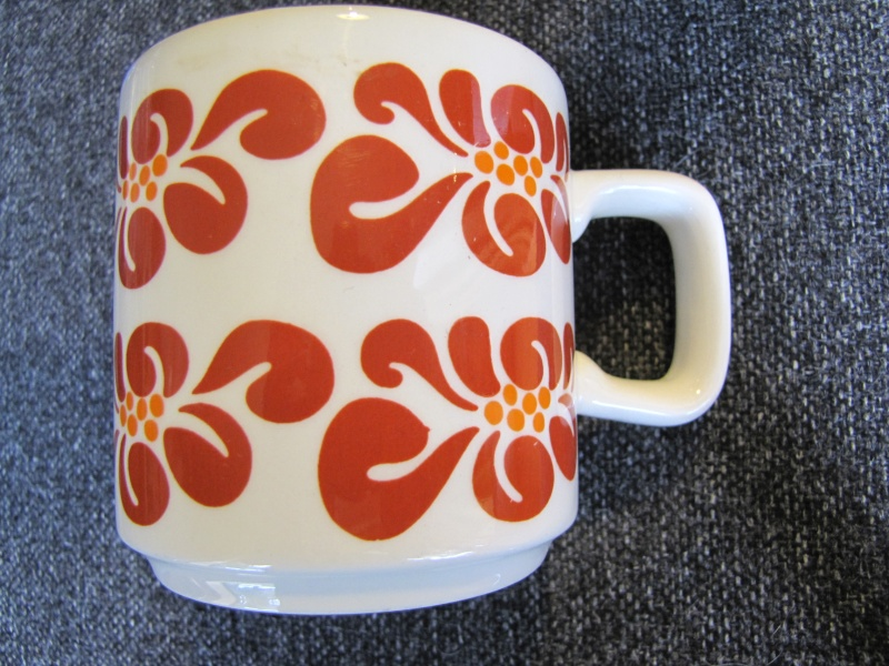 white - Show us your mugs .... Crown Lynn of course ;) - Page 8 17may111