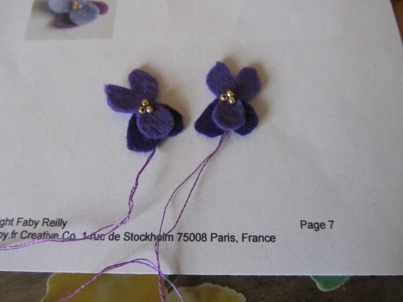 Un biscornu à la violette !!!! Img_1413