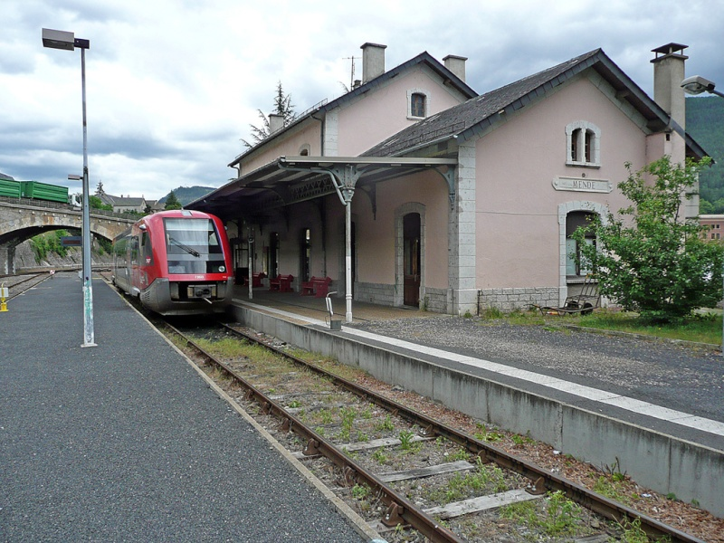 Pk 644,7 : Gare de Mende (48) - Initial 01mend10