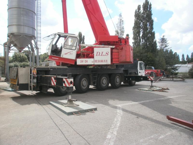 Les grues de DLS (Dépannage Levage Service) (France) P7270312