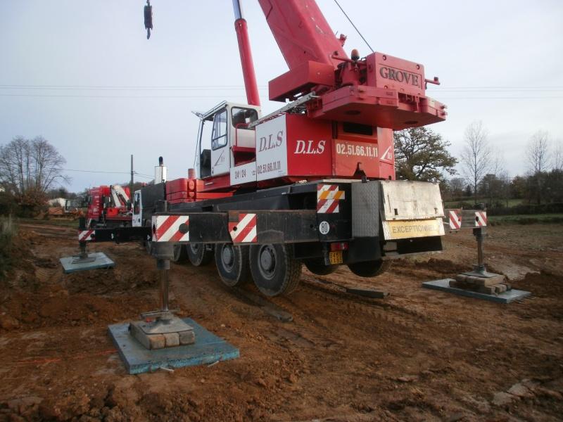Les grues de DLS (Dépannage Levage Service) (France) Pb300017