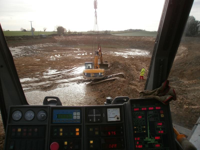 Les grues de DLS (Dépannage Levage Service) (France) Pb300018