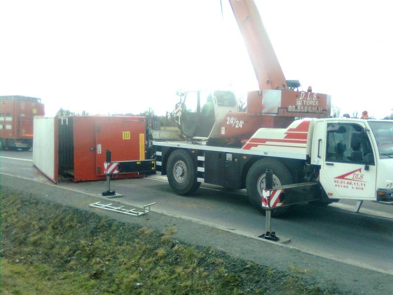 Les grues de DLS (Dépannage Levage Service) (France) Photo010