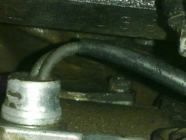 Puis-je tourner un peu la pompe injection LJ73 pour gagner de la place ? car fuite côté Pompe_13