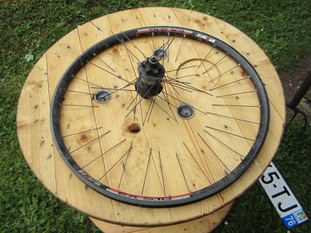 "Rayonnage de roues ""maison"" Img_0710"