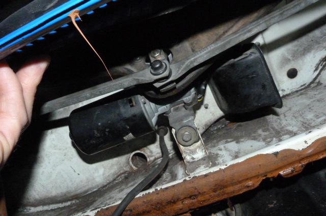 moteur essuie glace 1303 P1110123