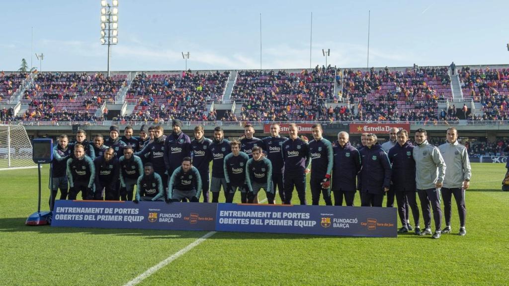 نجوم برشلونة في تدريب مفتوح للجماهير 233