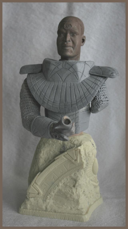 Stargate: Bustes Bratac et Teal'c Bustet12