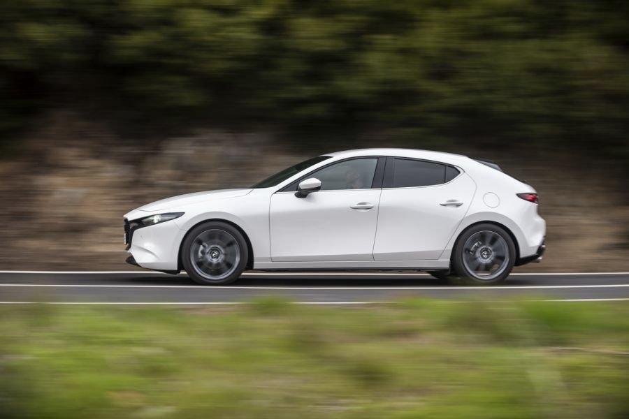 2018 - [BMW] Série 1 III [F40-F41] - Page 21 Mazda-11