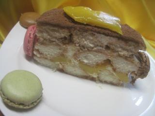 tiramisu à la mangue et mascarpone aux macarons.photos. Tirami10