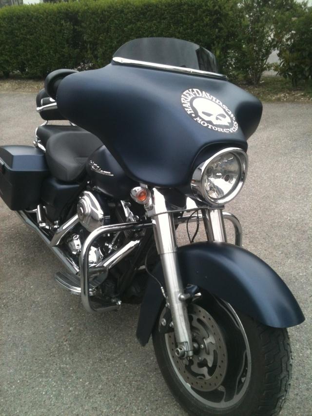 combien de STREET GLIDE  sur le forum Passion-Harley - Page 2 Bkns_110