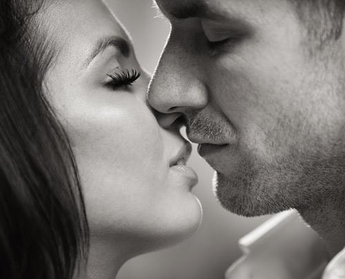 Perfektë në puthje! Ndiqni këto gjashtë  hapa.... Kiss10