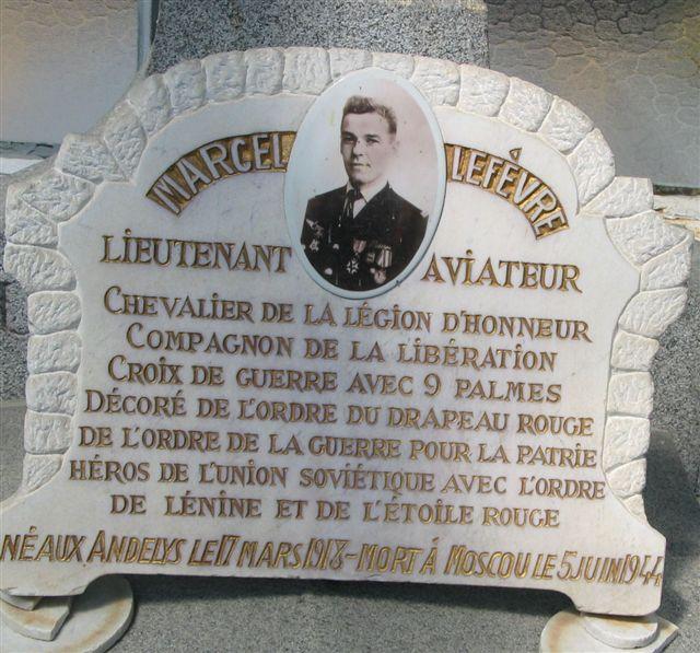 cérémonie 2013, hommage à Marcel lefèvre et Cdt le Martelot 0410