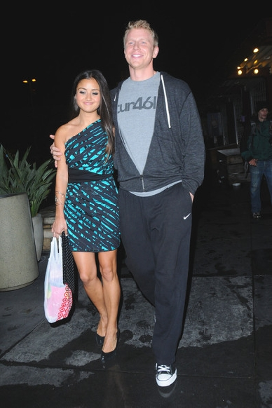 Sean & Catherine Lowe - Pictures - No Discussion - Page 2 1010