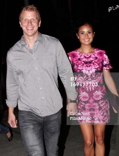 Sean & Catherine Lowe - Pictures - No Discussion - Page 3 16917712
