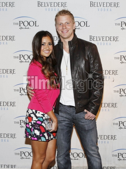 Sean & Catherine Lowe - Pictures - No Discussion - Page 3 16946512