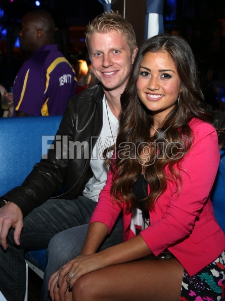 Sean & Catherine Lowe - Pictures - No Discussion - Page 3 16946513
