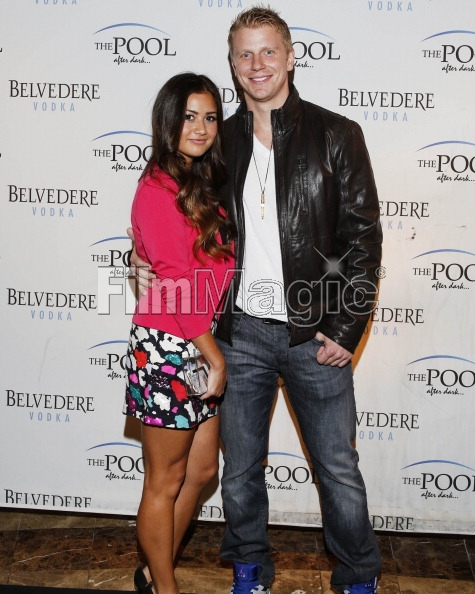 Sean & Catherine Lowe - Pictures - No Discussion - Page 3 16946515