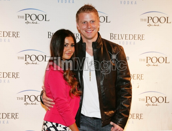 Sean & Catherine Lowe - Pictures - No Discussion - Page 3 16946516