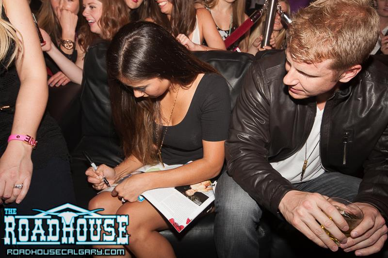 Sean & Catherine Lowe - Pictures - No Discussion - Page 4 57547610
