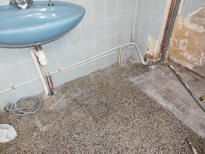 [Renovation de ma maison] Electricité, isolation et placo : le chantier - Page 16 P1030118