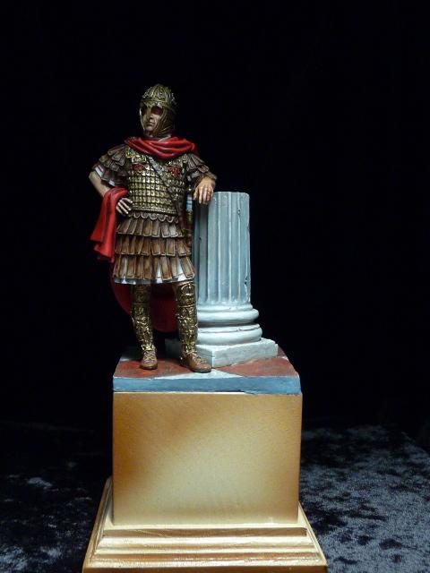 FIN : Officier des Equites, fin du 3ème siècle Ap JC P1040510