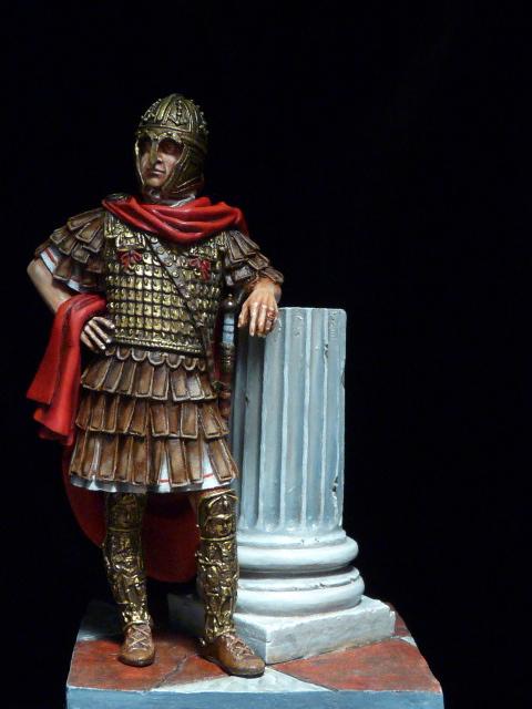 FIN : Officier des Equites, fin du 3ème siècle Ap JC P1040511