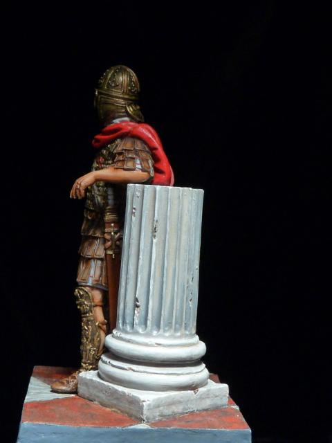 FIN : Officier des Equites, fin du 3ème siècle Ap JC P1040512
