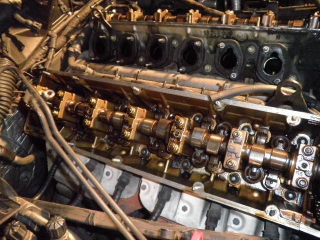 demontage haut moteur pour rampe de graissage Demont38