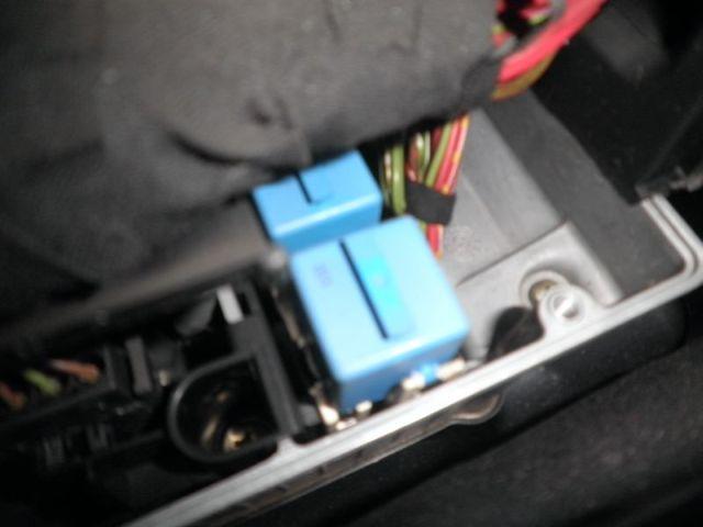 [BMW 850 cia E31] Pompes à essence inactives P1010312