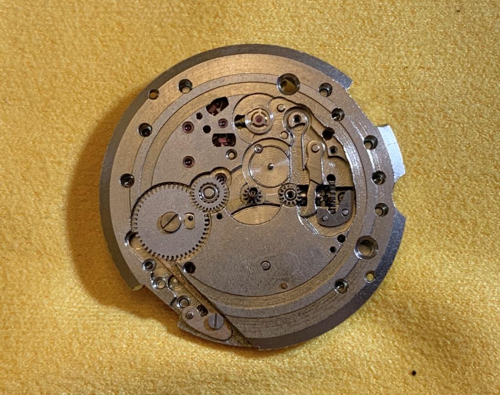 Vostok 2416B qui ne tourne plus.  Img_1315