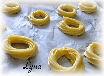 Roussettes (crullers) Rouset10