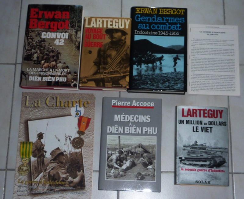 vente ou échange  contre uniforme de livres  militaire historiques  Indoch11