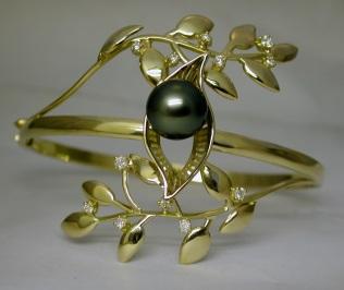 Bracelet Or Jaune, perle et diamants Dscn2114