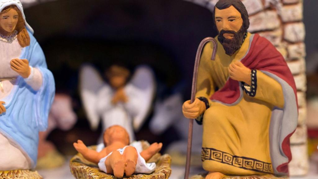 L'incarnation de JESUS CHRIST - Page 5 Creche10