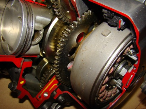 Ecorche moteur 750 009-6010