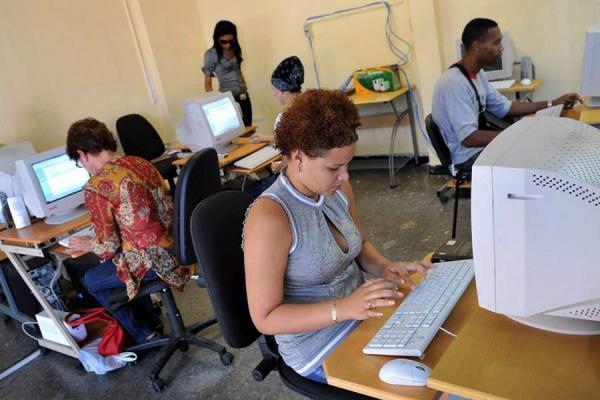 Solo desde 2014 Cuba tendrá Internet para los hogares Data_a10