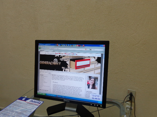 'Se navega bien, pero está bien caro', dicen los primeros usuarios de los cibercafés Machor14