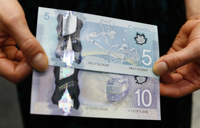 Le Canada émet un billet de 5$ commémorant Canadarm 12974110