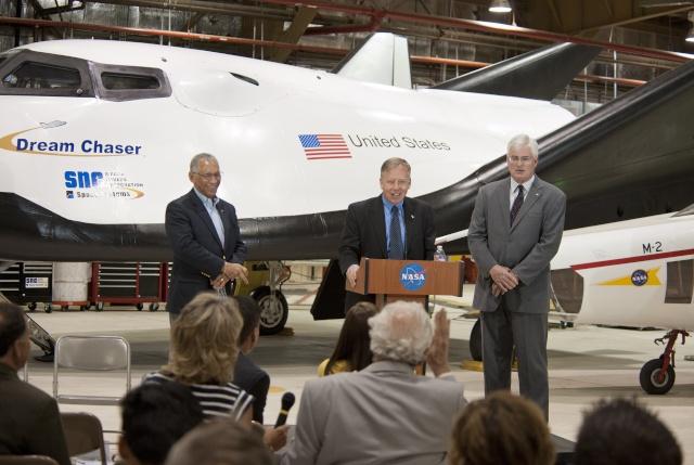 Dream Chaser prêt à faire son premier test de lâcher et vol libre 2013-210