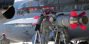 1er mai 2013 - L'avion hypersonique X-51A WaveRider bat un nouveau record Bds_x510