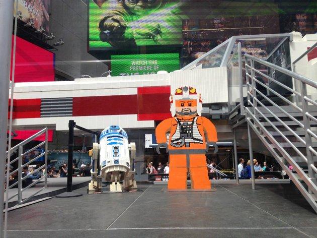 LEGO - X-Wing géant à New York C1108610