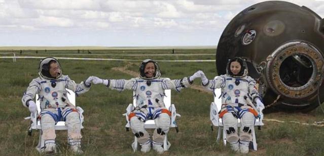 Shenzhou 10 - La mission - (Wang Yaping deuxième chinoise dans l'espace) Captur17