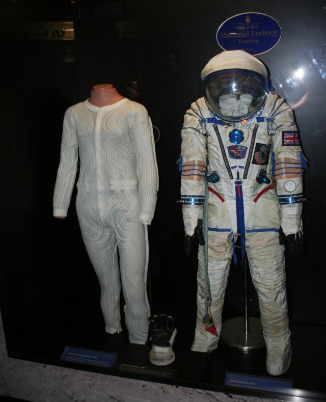 Combinaison d'Helen Sharman, première anglaise dans l'espace - Science Museum de Londres Combin10