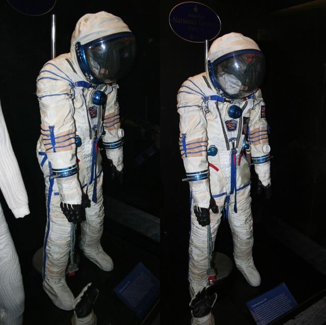 Combinaison d'Helen Sharman, première anglaise dans l'espace - Science Museum de Londres Combin13