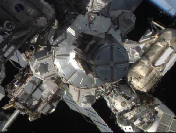 Fuite d'ammoniac à bord de la Station Spatiale Internationale - Segment P6 Eva1010