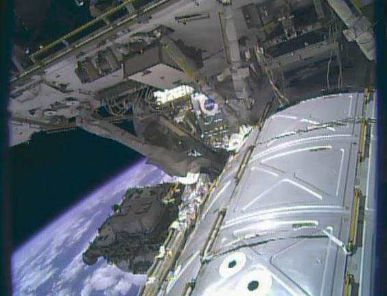 Fuite d'ammoniac à bord de la Station Spatiale Internationale - Segment P6 Eva1310